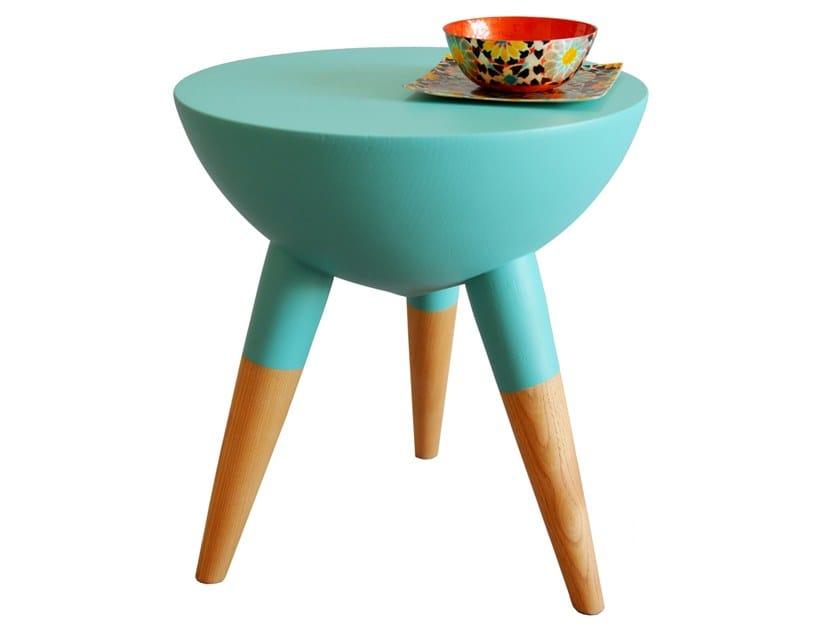 Low wooden stool POP M | Wooden stool by EMNASTUDIO