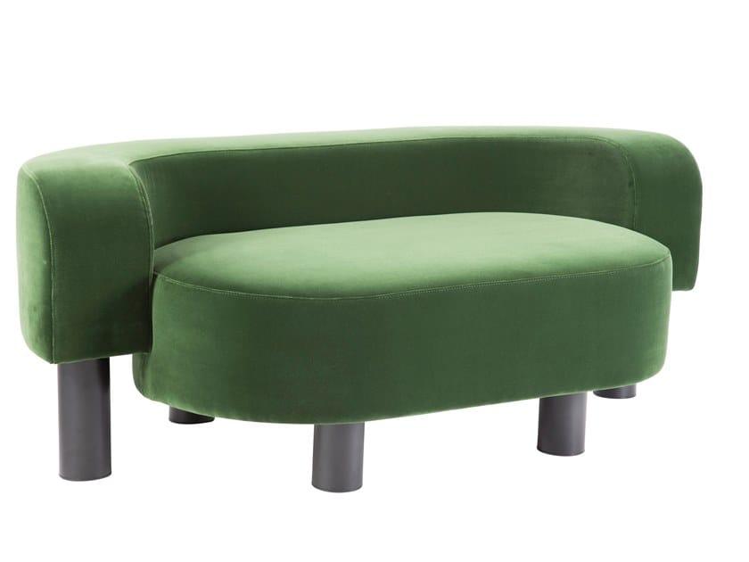 2 seater velvet sofa POW | Velvet sofa by pulpo
