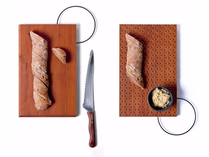 Rectangular pear wood chopping board PRÄGEN by Vij5