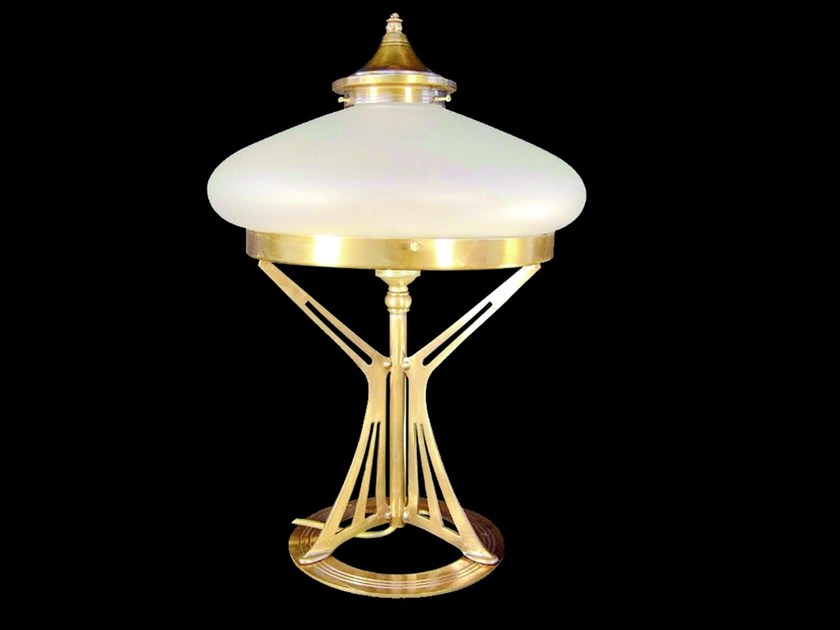 Direct light handmade brass table lamp PRAGUE I | Table lamp by Patinas Lighting