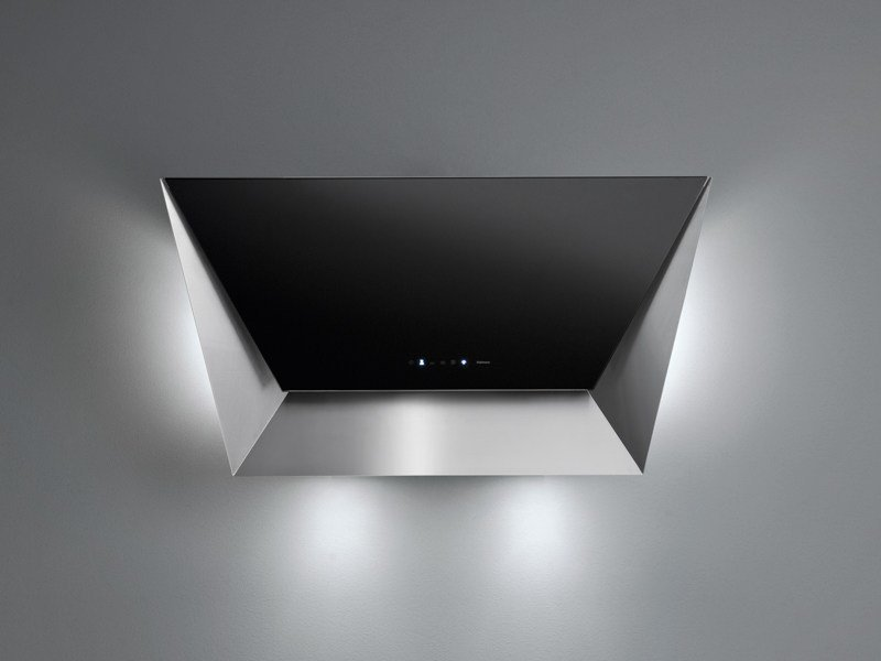 Wall-mounted tempered glass cooker hood PRISMA by Falmec