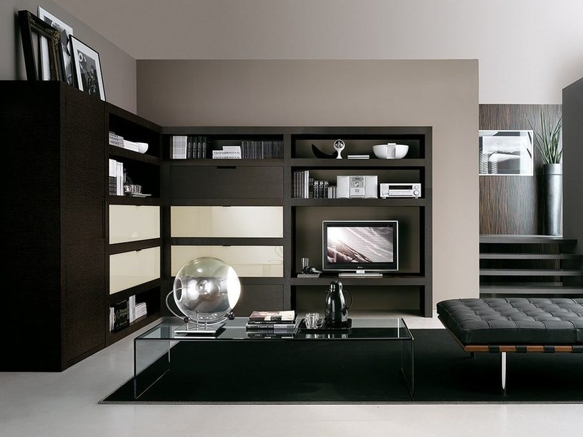 Wall-mounted lacquered TV wall system LALTROGIORNO 814 by TUMIDEI