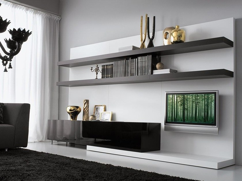 Wall-mounted lacquered storage wall LALTROGIORNO 820 by TUMIDEI