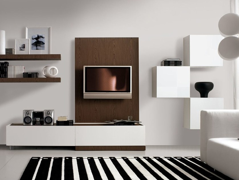 Wall-mounted lacquered storage wall LALTROGIORNO 825 by TUMIDEI