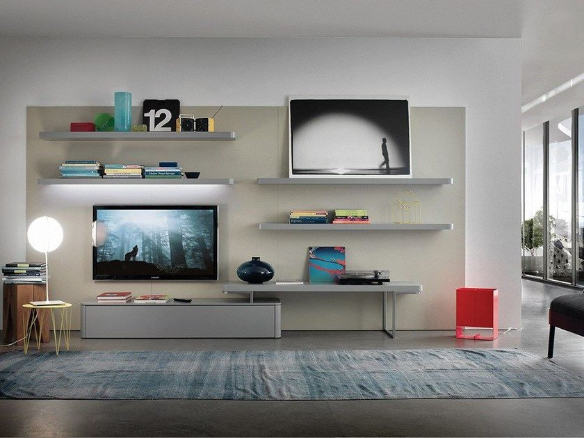 Wall-mounted lacquered storage wall with integrated lighting LALTROGIORNO 836 by TUMIDEI
