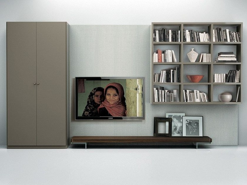 Wall-mounted lacquered storage wall with integrated lighting LALTROGIORNO 837 by TUMIDEI