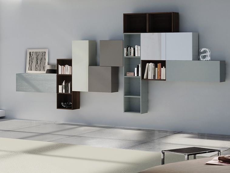 Wall-mounted lacquered storage wall LALTROGIORNO 853 by TUMIDEI