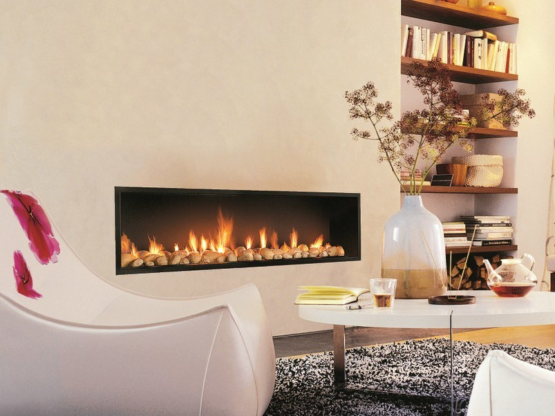 Built-in fireplace with panoramic glass NEOFOCUS by Focus creation