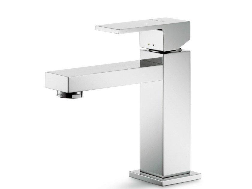 Countertop single handle 1 hole washbasin mixer ERGO-Q | Countertop washbasin mixer by newform
