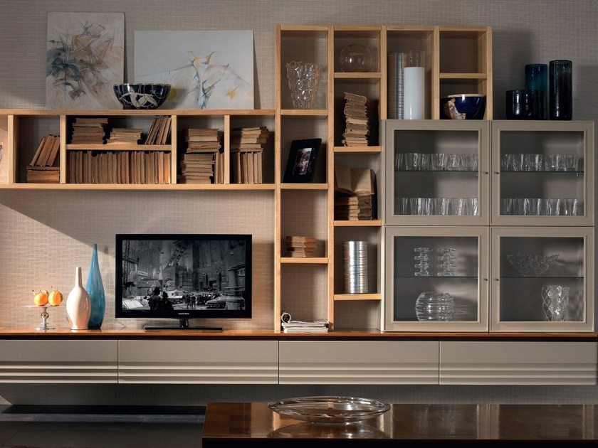 Sectional solid wood storage wall ELETTRA DAY | Storage wall by Cantiero