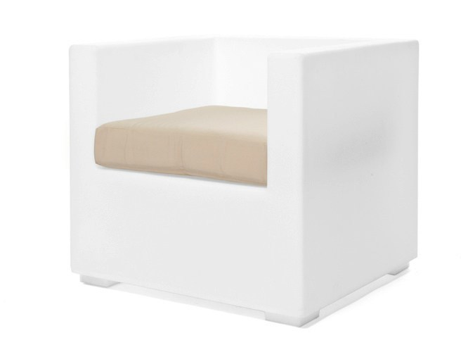 Polyethylene garden armchair with armrests MOOD | Garden armchair by Il Giardino di Legno