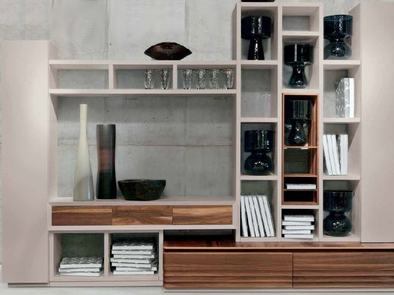 Sectional lacquered wooden storage wall D-102 | Storage wall by Dale Italia