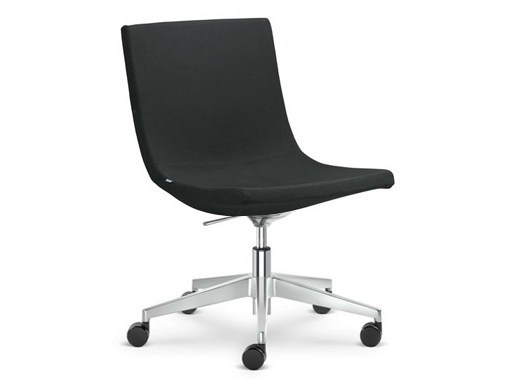 Height-adjustable task chair with 5-Spoke base with casters MOON | Task chair with 5-Spoke base by LD Seating