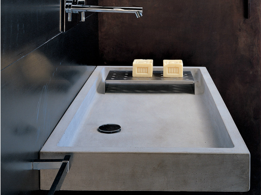 Rectangular single wall-mounted concrete washbasin ELLE | Concrete washbasin by Moab80