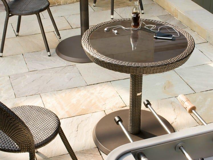 Round cast iron garden side table PAPAYA   Round garden side table by Roberti Rattan