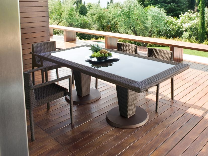 Tavolo Da Giardino Rattan.Saint Tropez Rectangular Garden Table By Roberti Design
