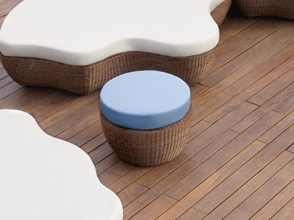 Garden pouf / garden side table LES ILES | Round garden side table by Roberti Rattan