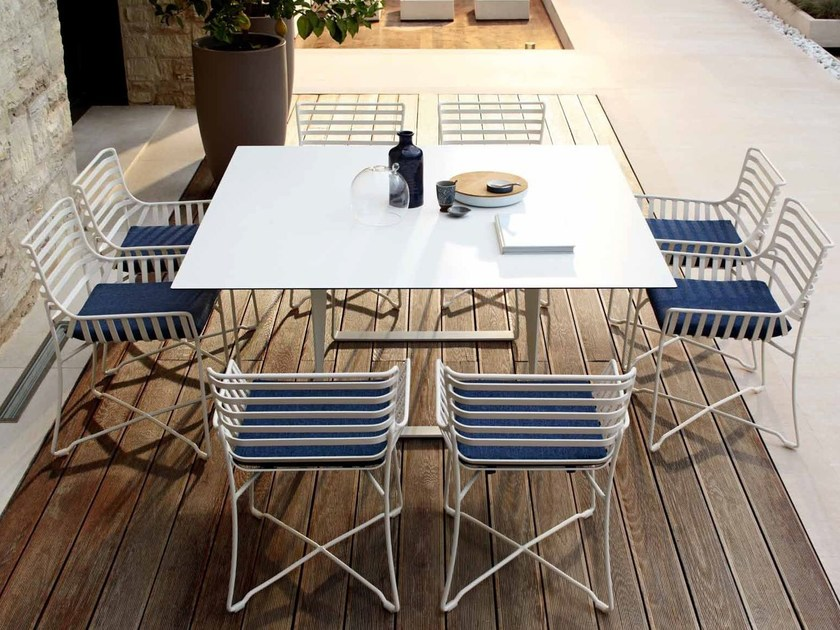 Square metal garden table HAMPTONS GRAPHICS | Square garden table by Roberti Rattan