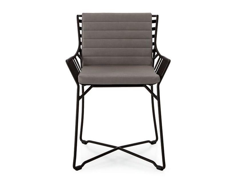 Sedia da giardino con braccioli hamptons graphics sedia for Sedie design treviso