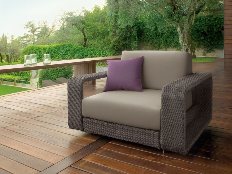 Aluminium garden armchair with armrests HAMPTONS   Garden armchair by Roberti Rattan