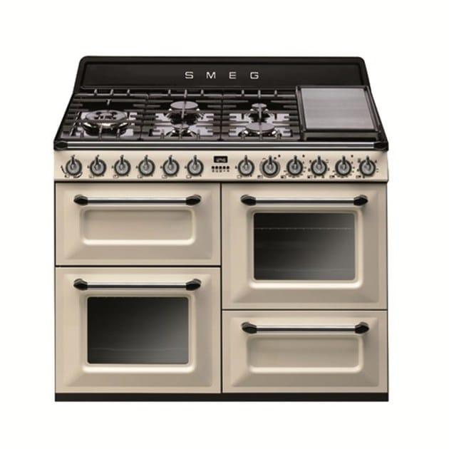 Victoria cucina a libera installazione design by smeg for Cucina libera installazione