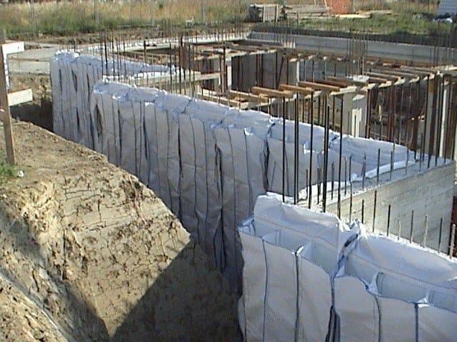 Sacchi per isolamento di strutture verticali controterra TERMOBAG by Laterlite