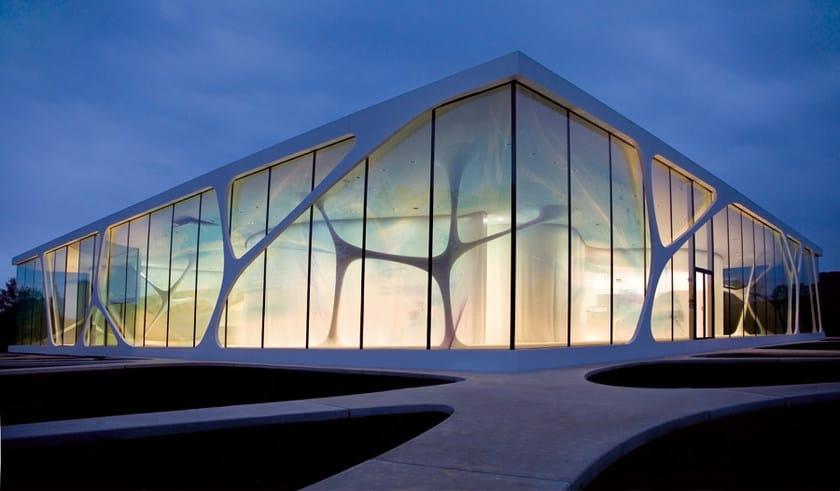 HI-MACS® Leonardo Glass Cube – Design 3deluxe, Germany - Material HI-MACS® Alpine White - Photo credit Emanuel Raab
