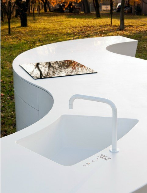 HI-MACS® MARU Kitchen - Design: DODK, Germany - Fabrication: Peter Grube, Germany - Material: HI-MACS® Alpine White