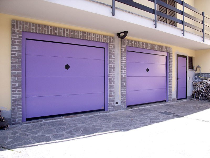 Up-and-over garage door BASCULINO® by Breda