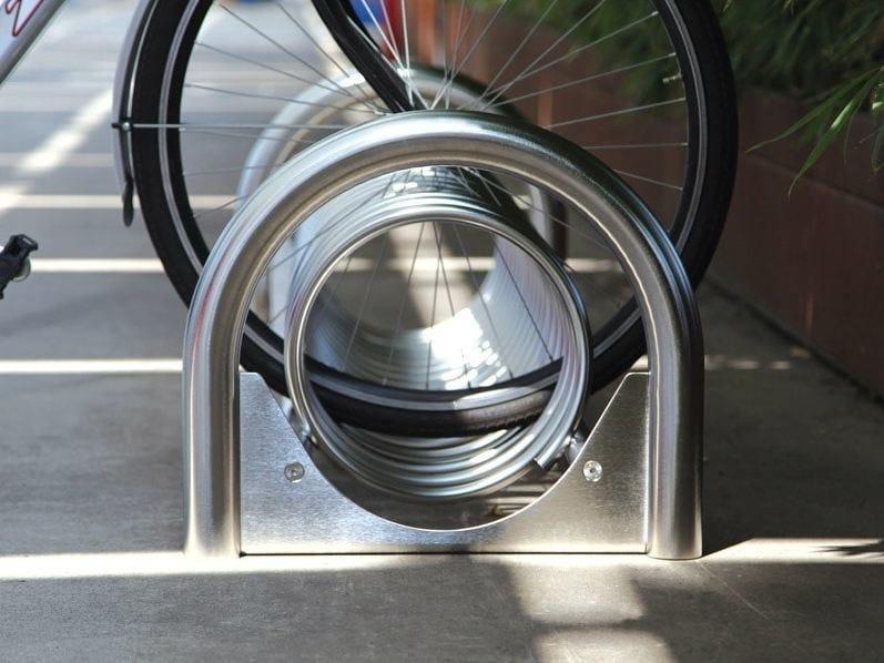 Steel Bicycle rack CICLOS   Bicycle rack by Metalco
