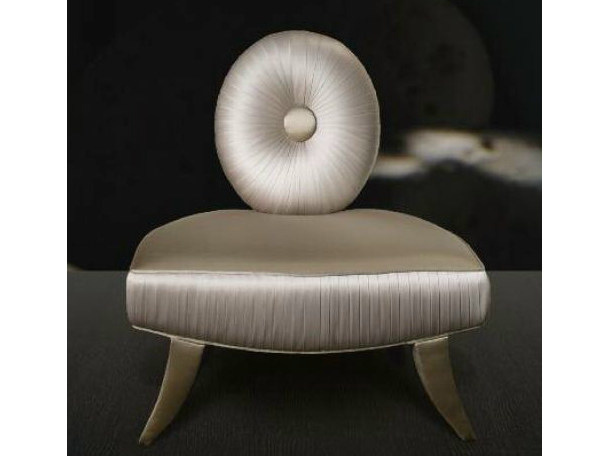 Medallion upholstered armchair 3042 | Armchair by Transition by Casali