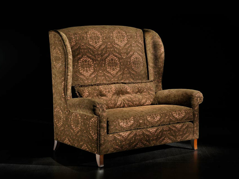 Upholstered wingchair with armrests 3039 | Armchair by Transition by Casali