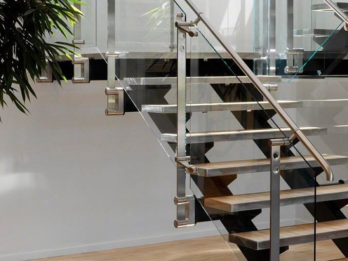 Glass and Stainless Steel balustrade D LINE BLOK FIXING by Q-RAILING ITALIA
