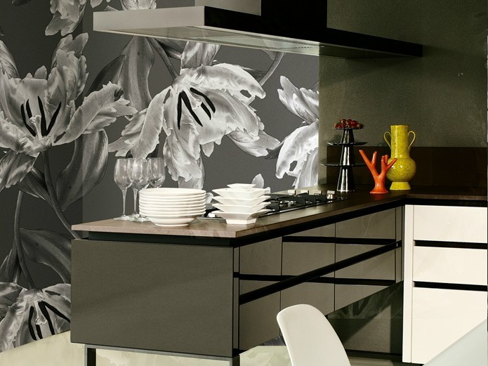 With floral pattern FLOS by Wall&decò