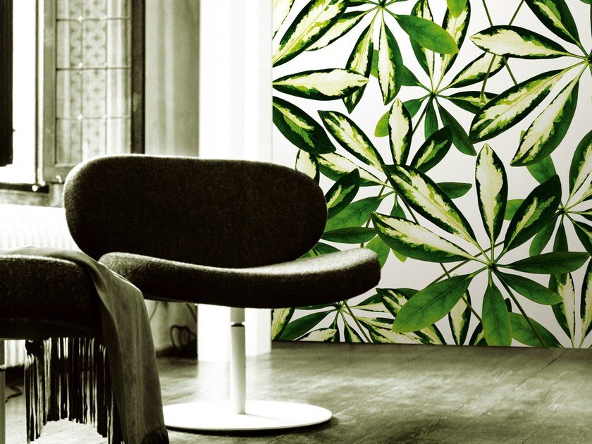 Wallpaper with floral pattern JUNGLE by Wall&decò