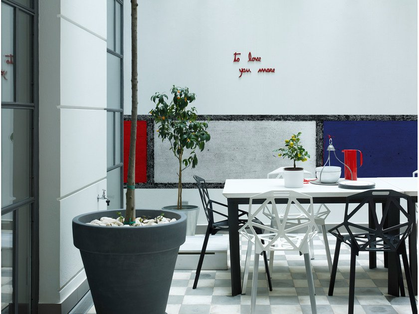 Check outdoor wallpaper DE STIJL by Wall&decò