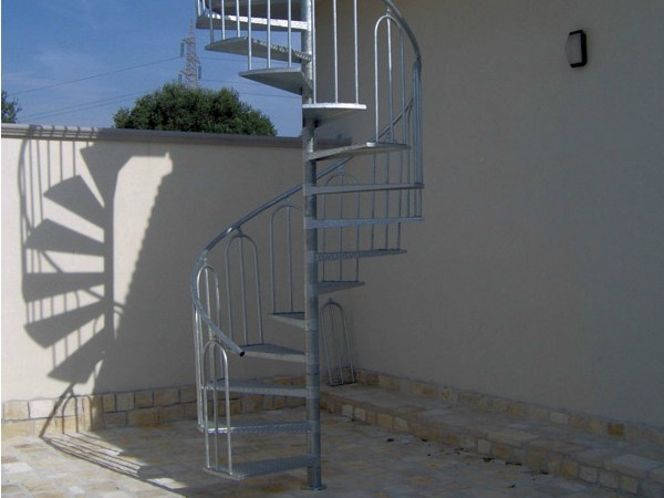 Outdoor steel Spiral staircase Spiral staircase by SO.C.E.T.
