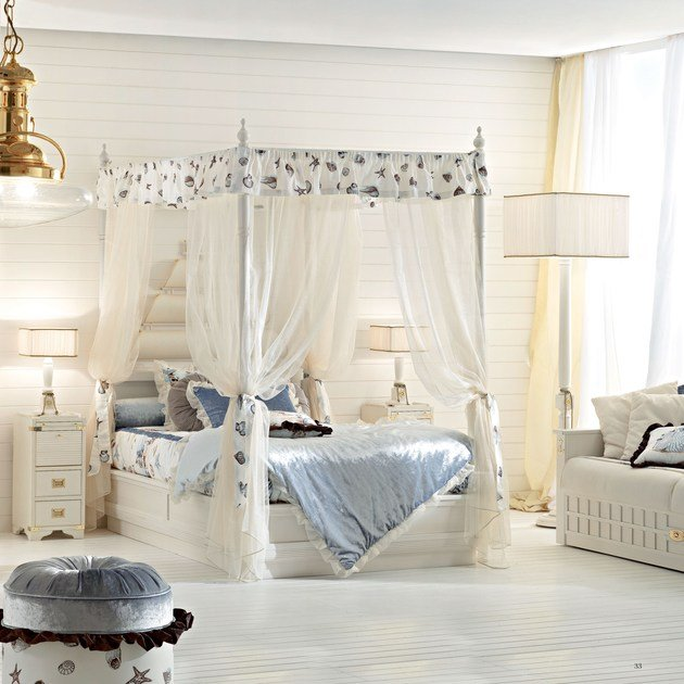 Full size canopy bed PRINCESS | Canopy bed by Caroti