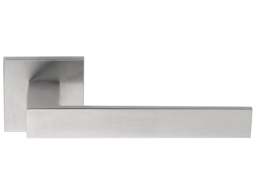 Stainless steel door handle on rose SQUARE | Door handle on rose by Formani