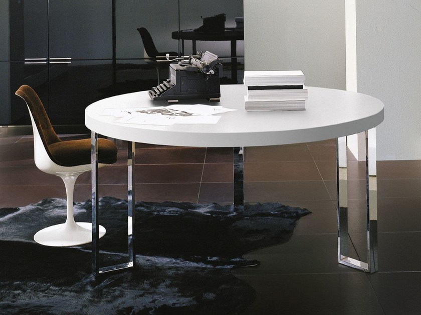 Lacquered round wooden living room table GEORGE | Round table by EmmeBi