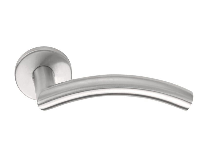 Stainless steel door handle on rose BASIC | Door handle on rose by Formani