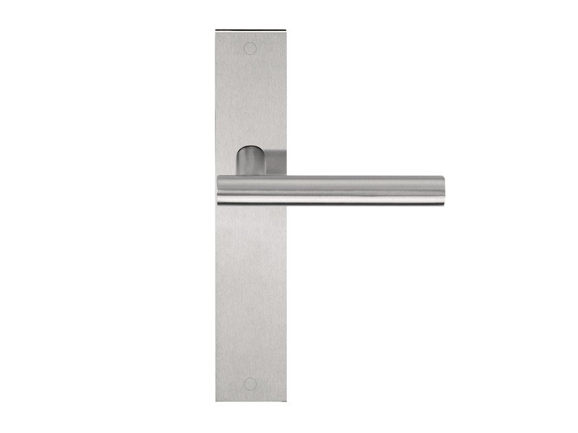 Stainless steel door handle on back plate BASIC | Door handle on back plate by Formani