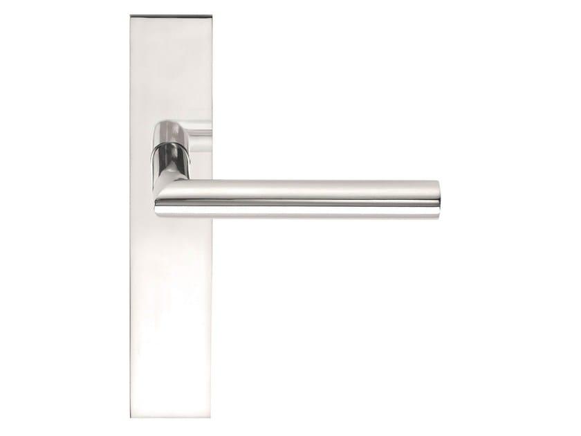 Stainless steel door handle on back plate BASIC | Door handle on back plate by Formani