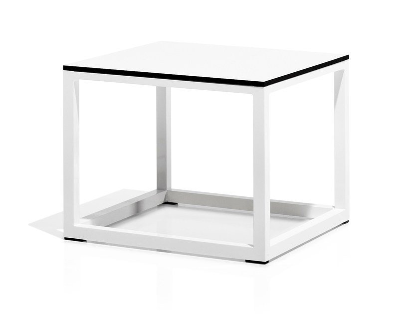 Low Square garden side table CLUB | Square garden side table by Bivaq