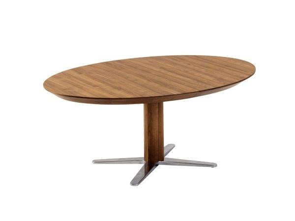 Extending oval solid wood table with 4-star base GIRADO | Oval table by TEAM 7