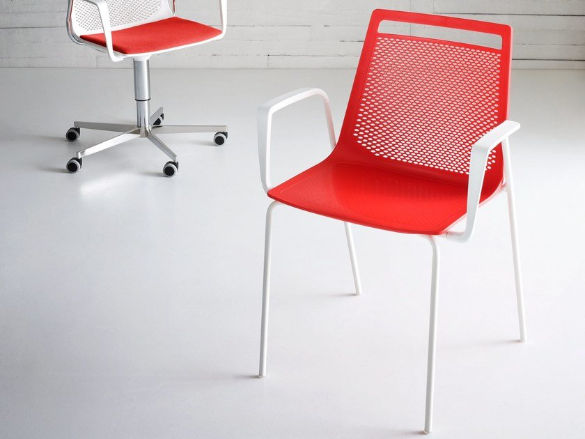 Stackable chair with armrests AKAMI TB by GABER