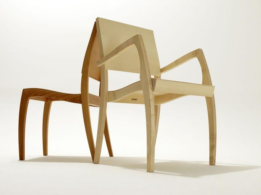 Sedie In Legno Con Braccioli : Sedia impilabile in legno con braccioli grasshopper ² sedia con