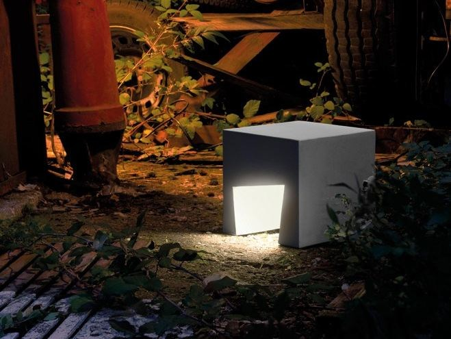 Cement Floor lamp CEMENTO STYLE MODULO A 74 by Lombardo