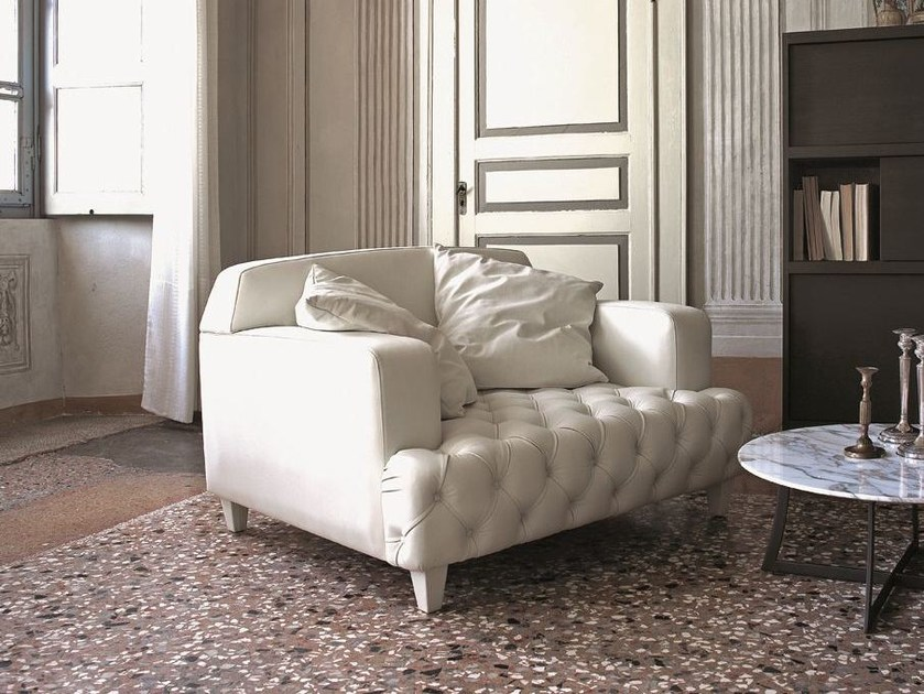 Tufted leather small sofa CHARLES | Small sofa by CIACCI
