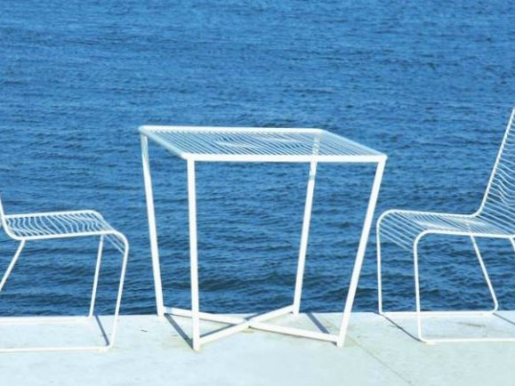 Square powder coated steel garden table GRID   Garden table by CIACCI
